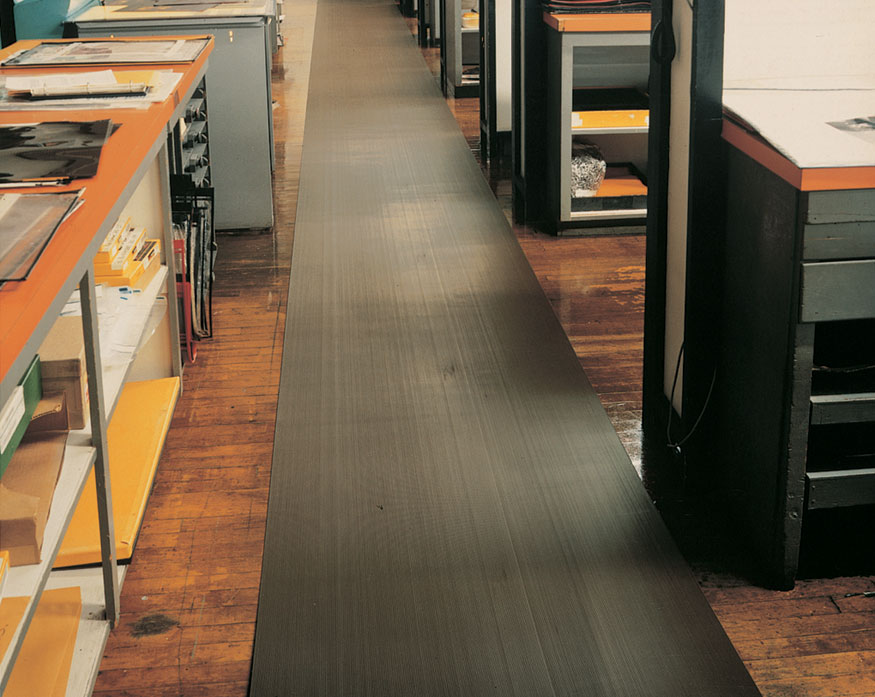 Vinyl Runner Floor Mats Rolls For Floor Protection Corrugated